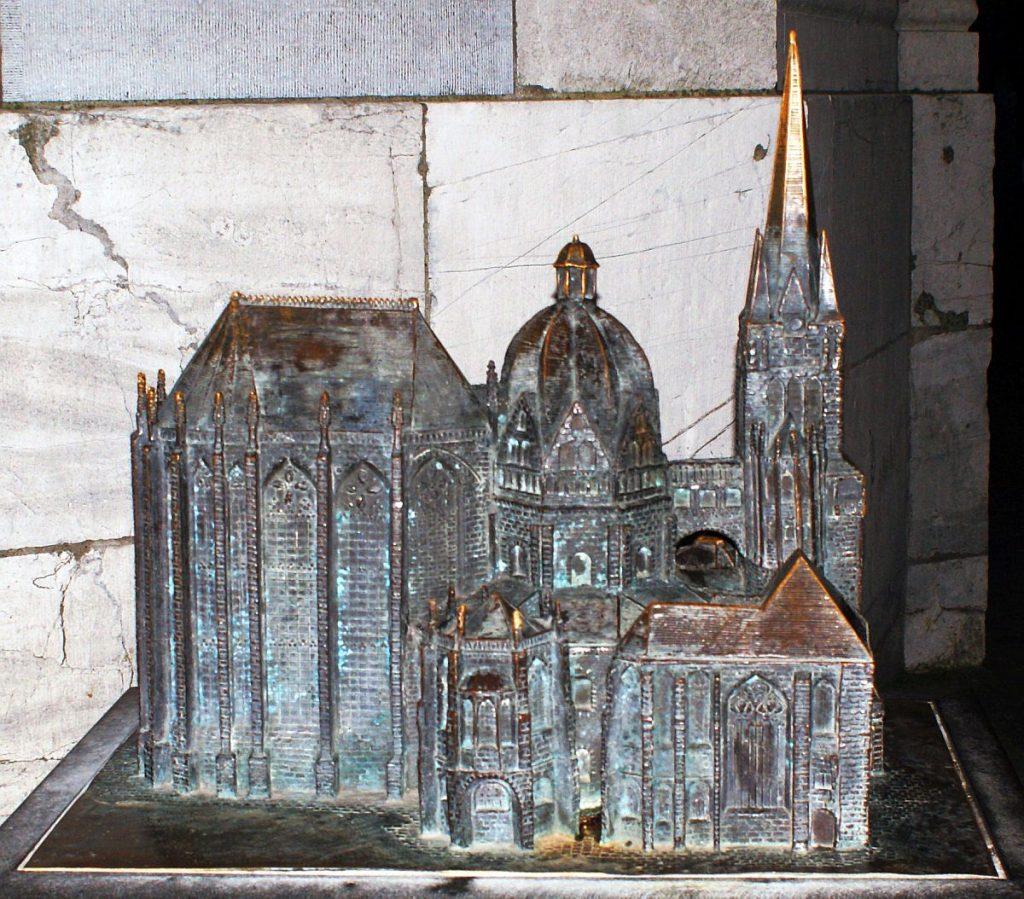 Modell vom Dom zu Aachen