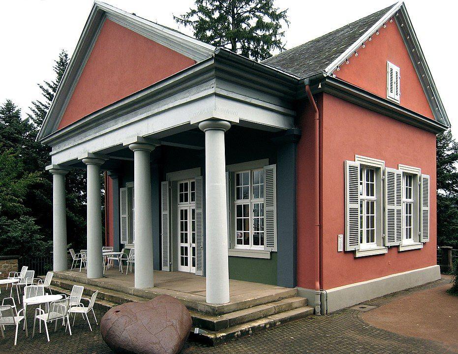 Das Lusthaus Belvedere am Osthang des Burgberges in Badenweiler. Badenweiler/Süd-Schwarzwald/Deutschland