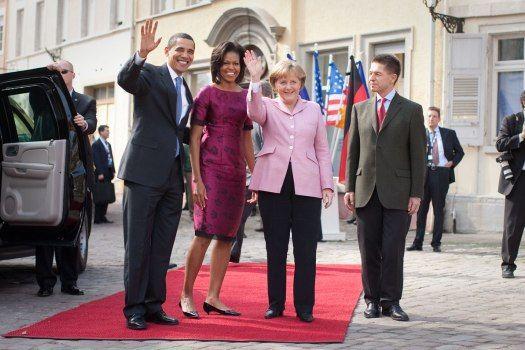 Bundeskanzlerin Angela Merkel und ihr Ehemann Joachim Sauer begrüßen US-Präsident Barack Obama und seine Frau Michelle Obama beim Staatsempfang auf dem Marktplatz Baden-Baden.